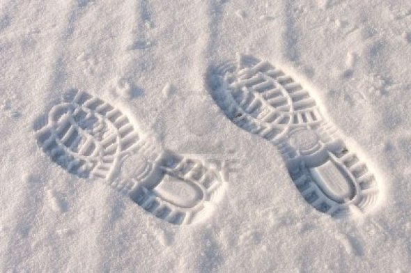 6305450-left-and-right-footprint-in-snow